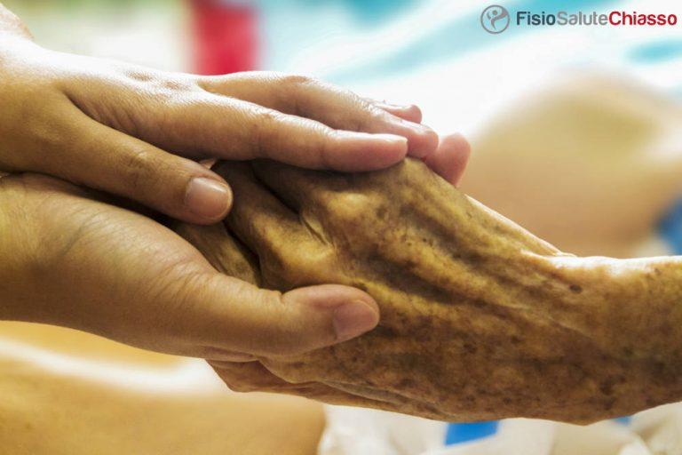 fisioterapia domiciliare como anziani mani